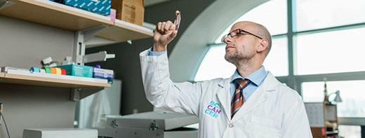 Hodgkin lymphoma recruits and trains immune cells